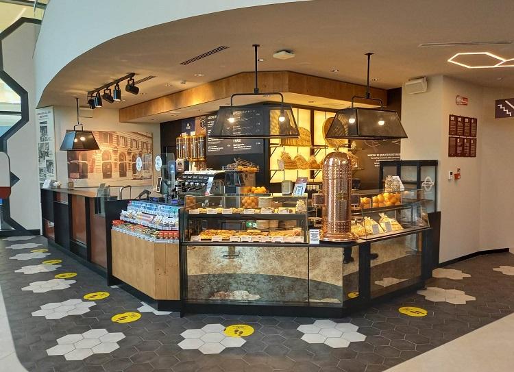 Caffetteria a marchio Panella nell' area Q8 di Paderno Dugnano (Mi)